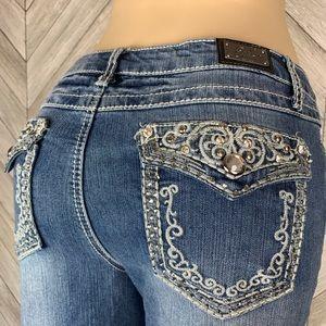 Earl Jeans bling cropped jean. Size 8